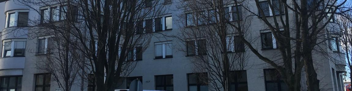 Hauptgebäude von außen